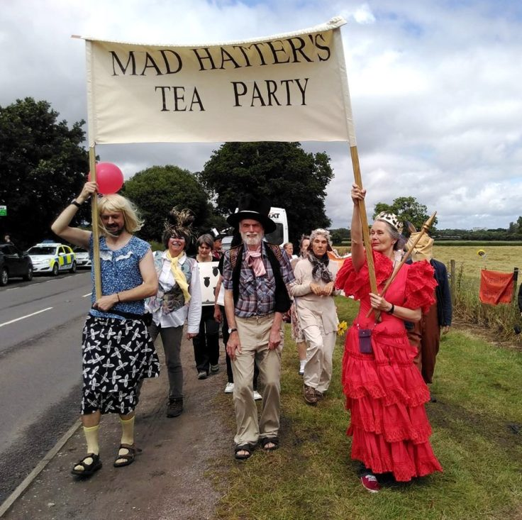 Mad-Hatters-tea-partyx